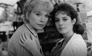 Shirley MacLaine y Debra Winger